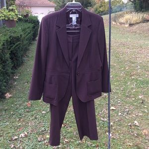 Sag Harbor stretch brown pant suit sz 12